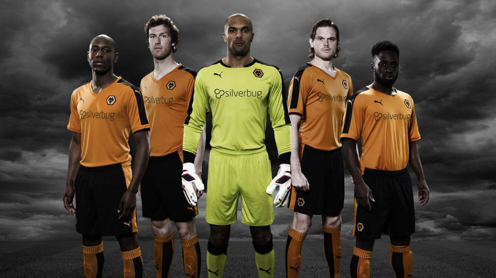Wolves-team-in-new-Silverbug-jerseys
